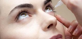 umělé slzy - aplikace očních kapek