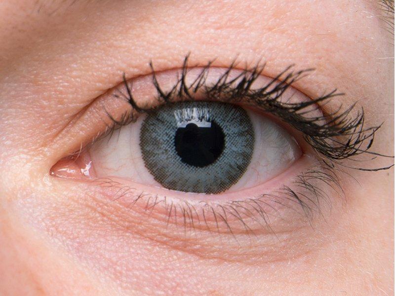 Soft grey na šedém oku