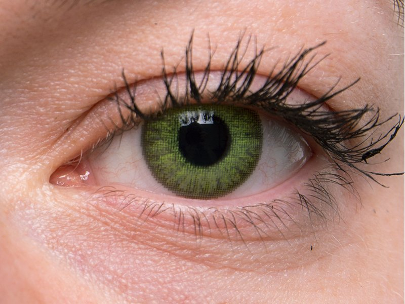 Fresh green na šedém oku